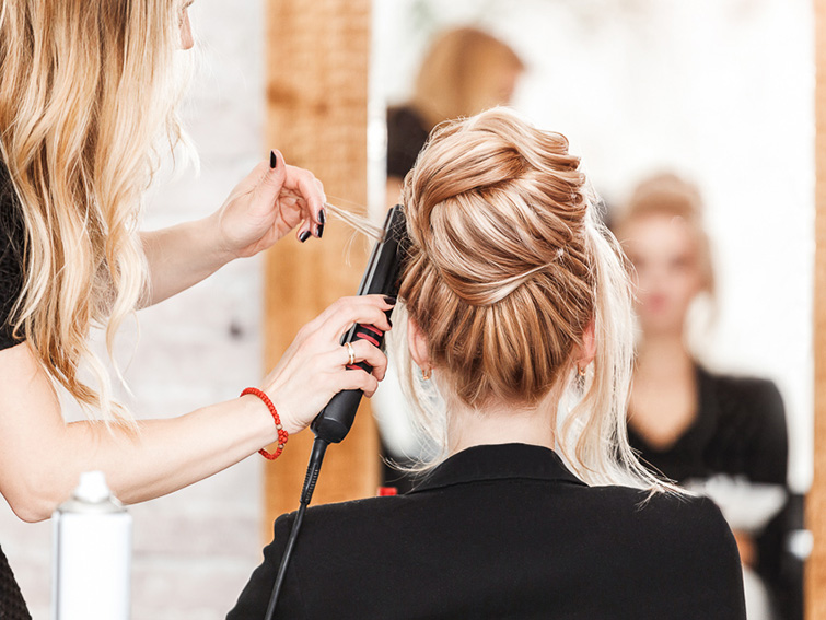 Coiffure style pour mariage